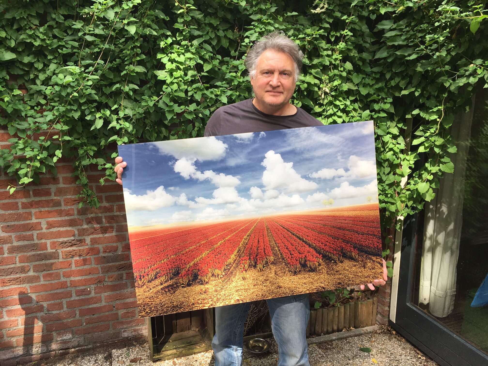 Tulips & Clouds Acrylglas 100 x 68 cm van €550 voor €150 VERKOCHT